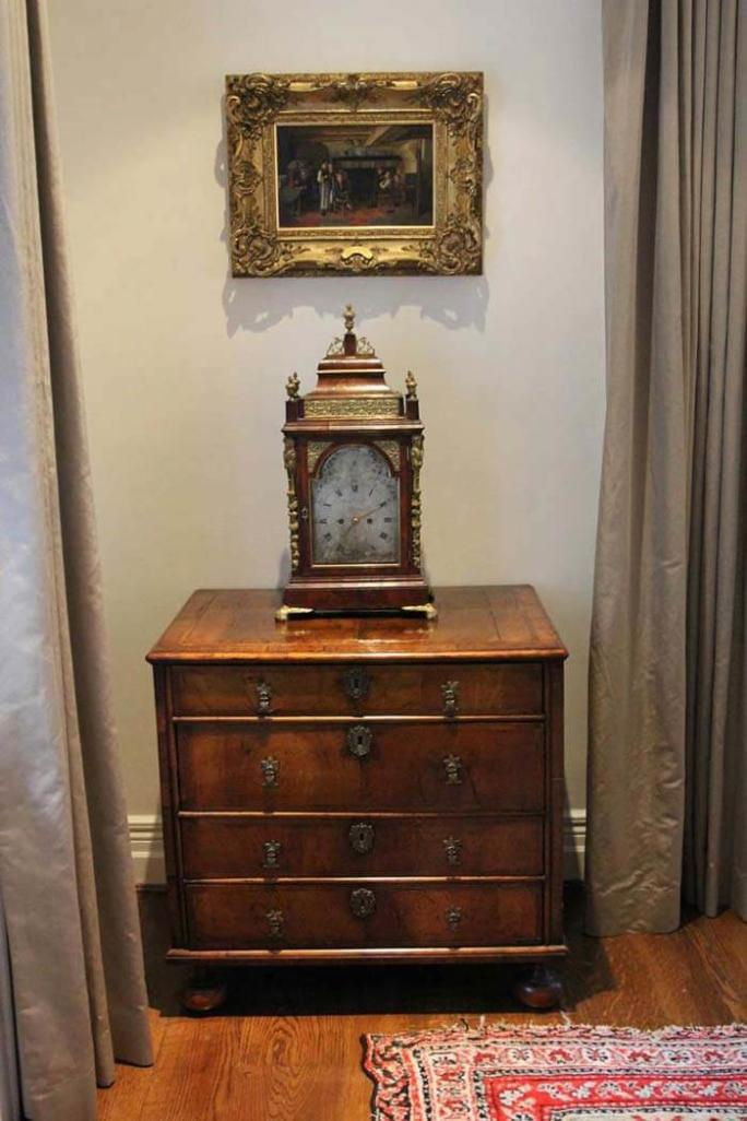 18th Century English chest of drawers